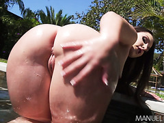 Big booty Latina treat Lola Foxx gets eaten and fucked at the backyard