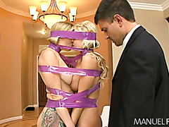 Two curvaceous blondies as a present for lonely guy