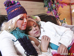Ski girls Britney Amber and Yurizan Beltran do it in lesbo way