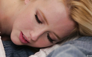 Dainty blonde angel Samantha Rone can't stop cumming during passionate sex
