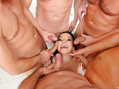 Francys Belle shows her deepthroat technique to four horny men
