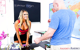 Student catches his teacher Tegan James masturbating and gives her the D