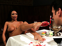 Dude licks cream off Anissa Kate's feet and fucks her during romantic date
