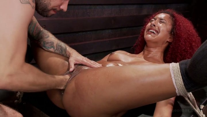 Enslaved Daisy Ducati Gets Her Squirting Ebony Cunt Fisted -2067