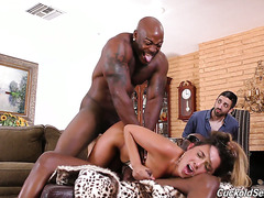 Duet of beefy black guys make cuckold happy by busting his hot babe Jaye Summers