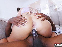 Spaniard PAWG Ash Lee gets creamy on a big black cock