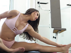 Fitness babe Paige Owens stretches her body and pussy