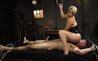 Mistress Helena Locke treats slave to handjob for eating her ass