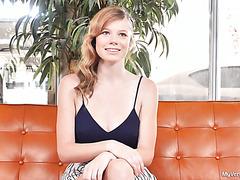 Рыжая Миа Коллинс на первой в жизни профессионально порно съёмке