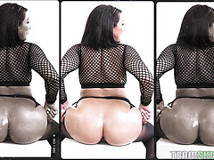 Valentina Jewels twerks her big fat booty before hardcore pounding