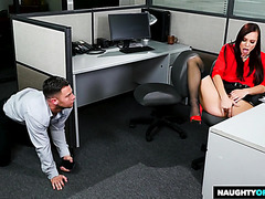 Babe Aidra Fox has orgasmic sex in the office with coworker
