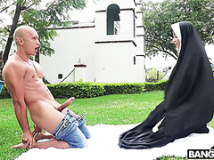 Bootylicious nun Yudi Pineda gets her fat ass fucked by garden boy