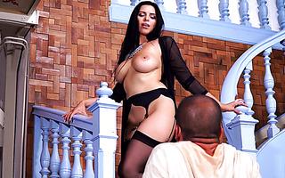 Nahost Babe Anya Krey hat sinnlichen Sex mit Orgasmen