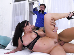 Jennifer White squirts on fat cock in front of miserable cuckold