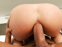 Whitney Wright invites fat cock to creampie her juicy ass