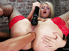 PAWG slave Layla Price is fisted and humiliated by mistress Francesca Le