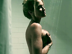 Perfect blonde MILF Jessica Drake masturbates in shower before sleep
