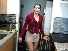 Пикапер ебёт пышную и жопастую работницу агенства недвижимости Алексис Родригез