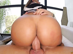 Hungarian housemaid Perla Berne gets her butt torn off by huge cock