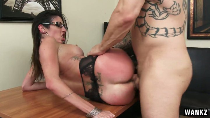 MILF Dava Foxx fucks her business partner in office to make a deal