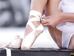 Изящная балерина Френсис Белль жарко ебется с партнером